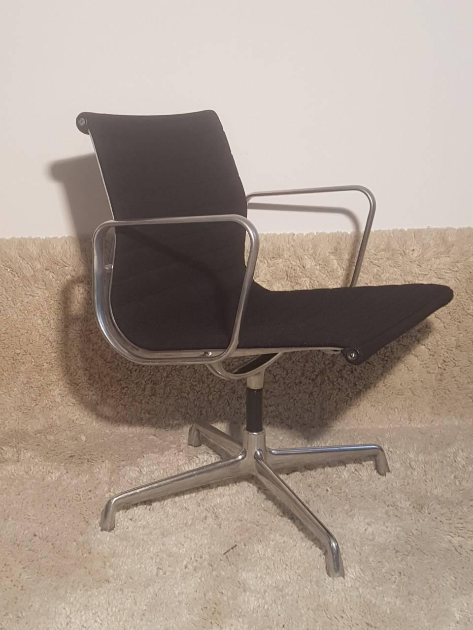12 fauteuils design vintage charles eames benoit de - Fauteuil charles eames ...
