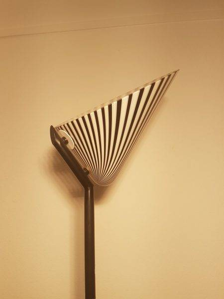 Benoit_de_Moffarts_lampadaire_italien_design_opaline_zebre_1970_Bruxelles_2