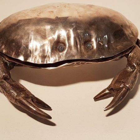 benoit_de_moffarts_boite_cavier_forme_crabe_bruxelles_1