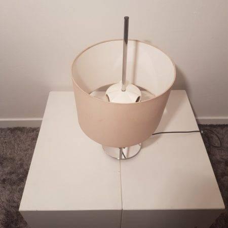 benoit_de_moffarts_lampe_bureau_design_florence_knoll_